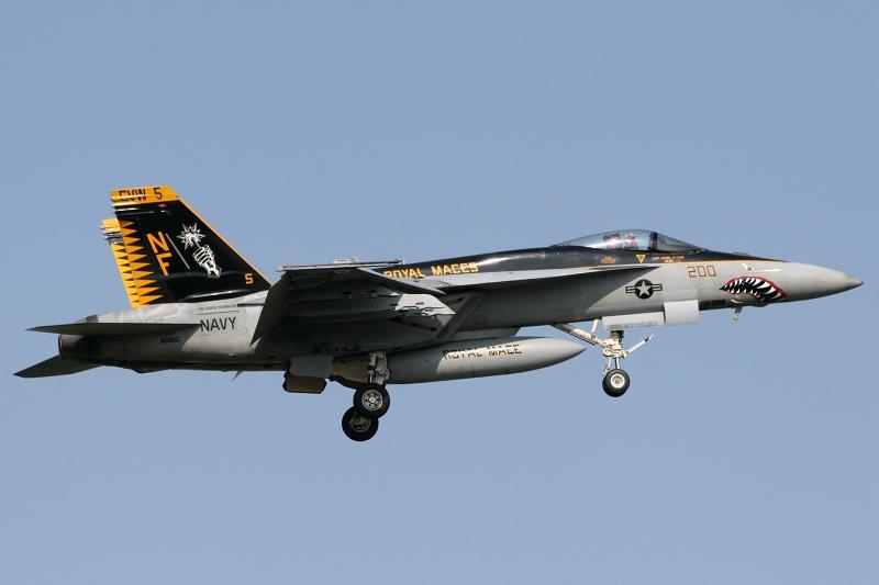 FA-18E_vfa-27_CAG_20-5-2010_IMG_7430.JPG