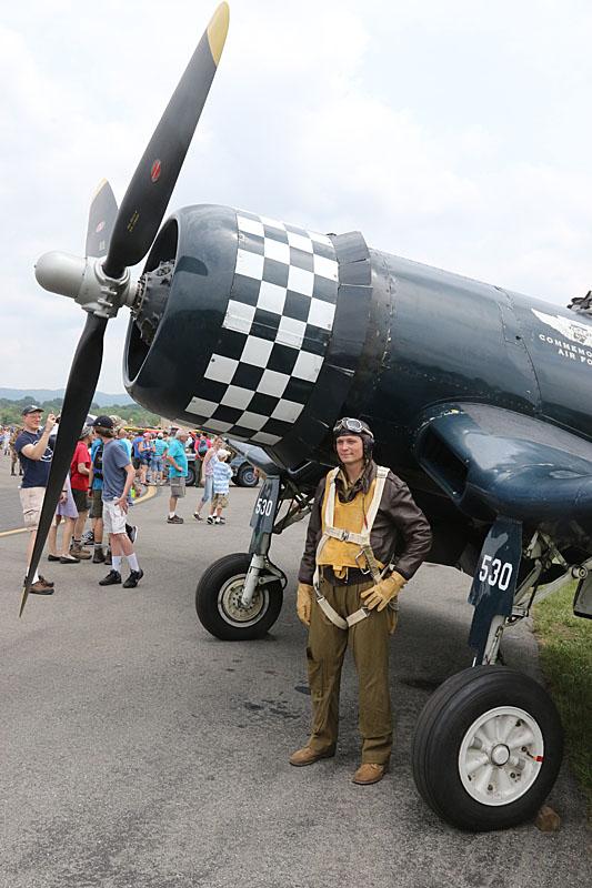 corsair_pilot.jpg.a497e25f0c0646868e5f4e259200ba3e.jpg