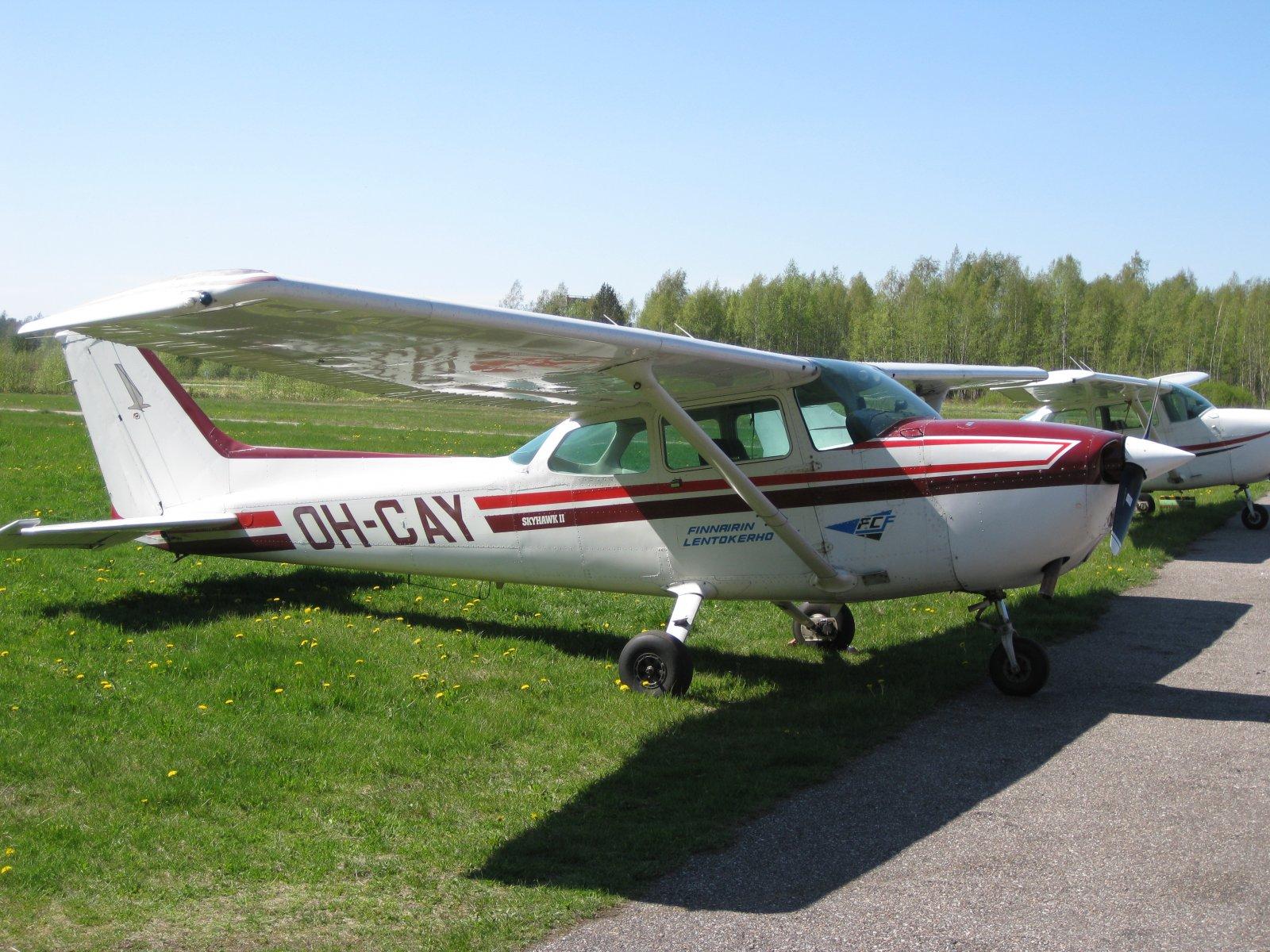 Cessna 172P Skyhawk II OH-CAY EFHN 2008-05-11