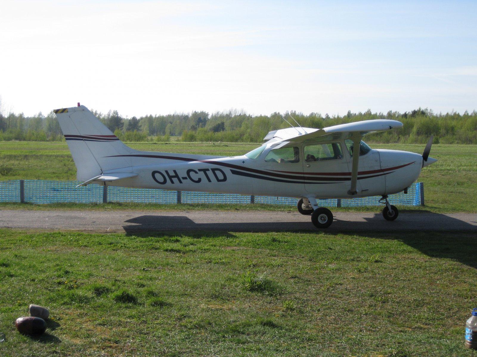 Cessna 172N Skyhawk II OH-CTD EFHN 2008-05-11