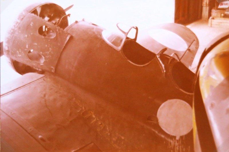Sodan jälkeen Parolan metsikköön varastoidut Polikarpov (UT-1) ja Hurricane (HC-452) pelastuivat romukauppiailta - tuurilla