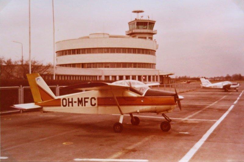 MFI-9 Junior kuvattuna 14.5.1972. (Googlaa: MFI-9 Biafran sota)