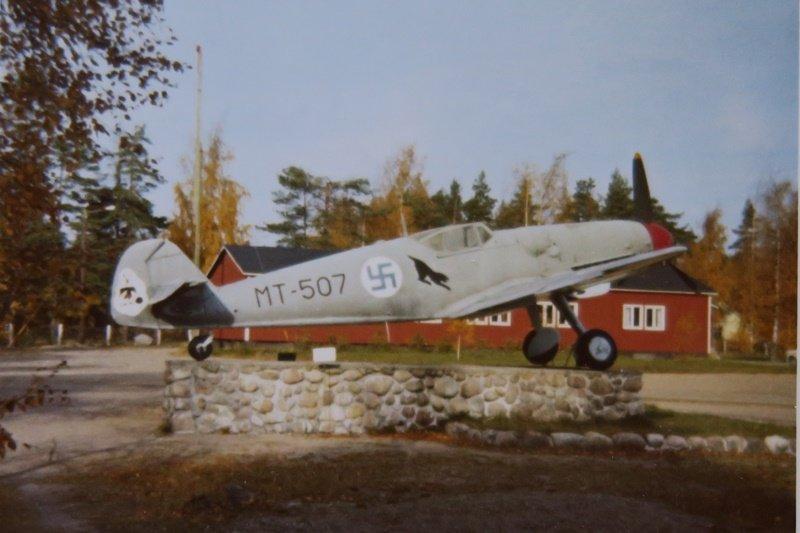 Bf 109 G-6, MT-507, oli tyyppinsä viimeisen lennon lentänyt kone, pvm:llä 13.3.1954. Kuva on otettu syksyllä 1969.