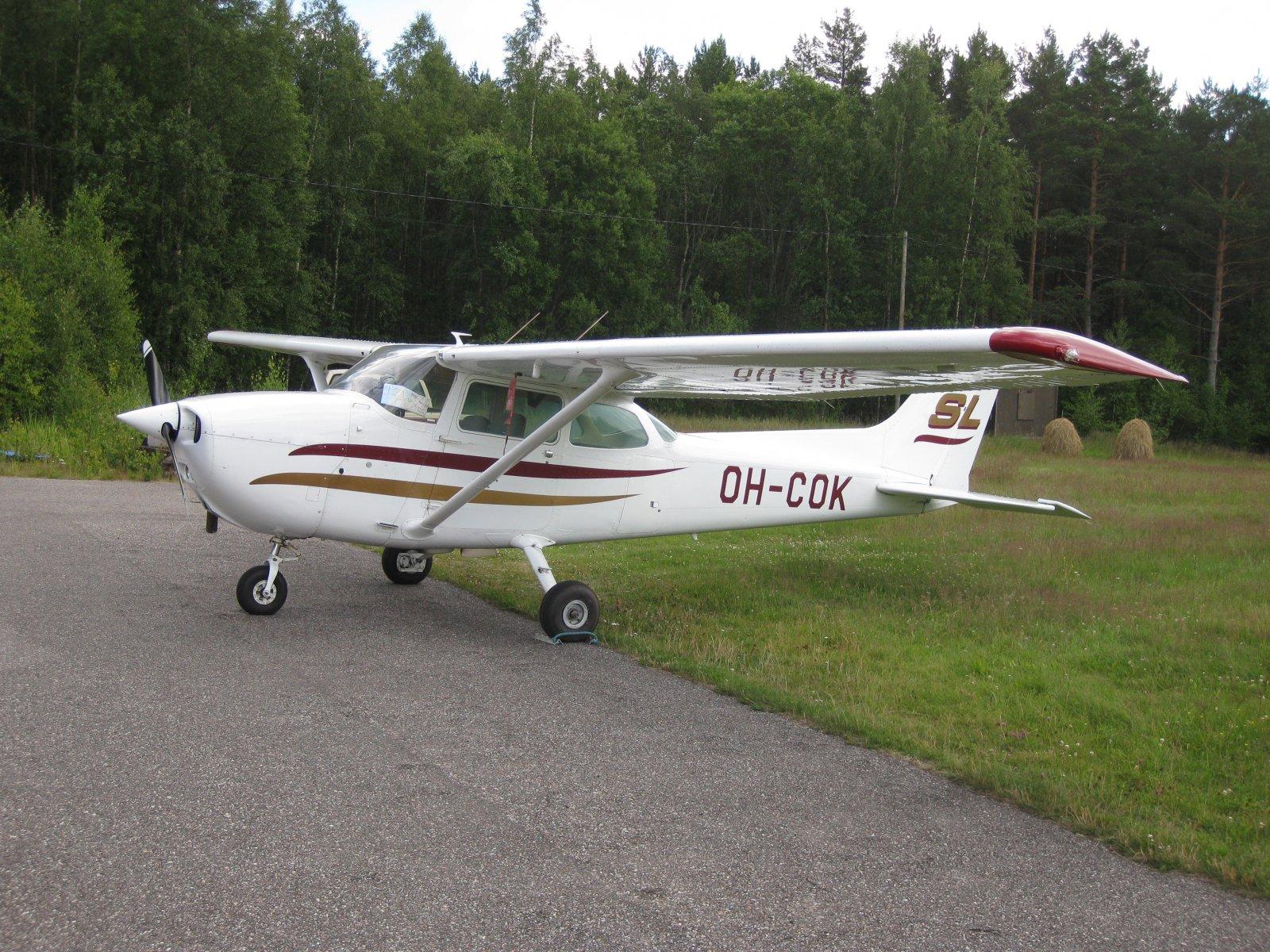 Cessna 172N Skyhawk II OH-COK EFHN 2008-07-05