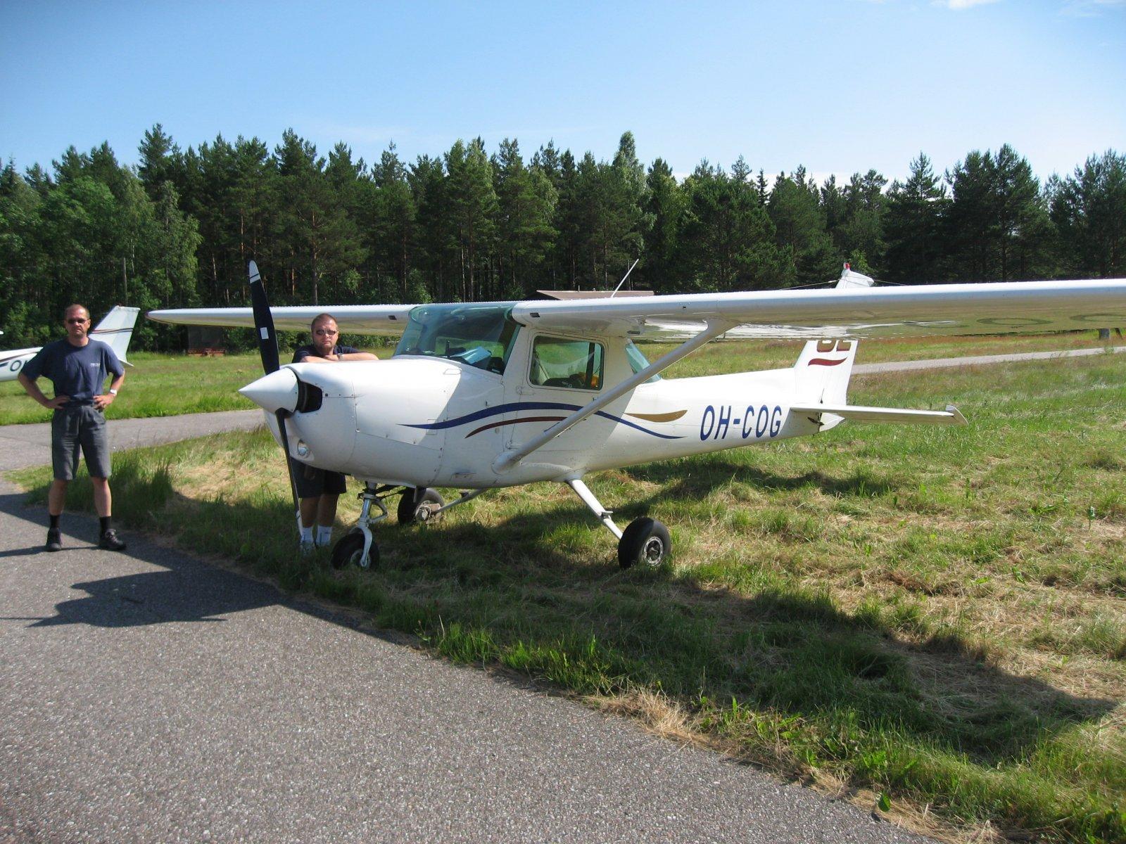 Cessna C152 OH-COG EFHN 2007-07-01