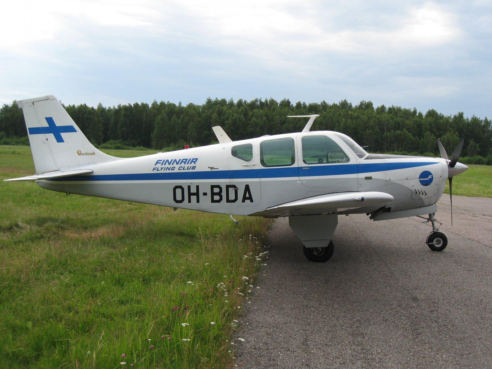 Beechcraft Debonair BE-33 OH-BDA EFHN 2007-07-04