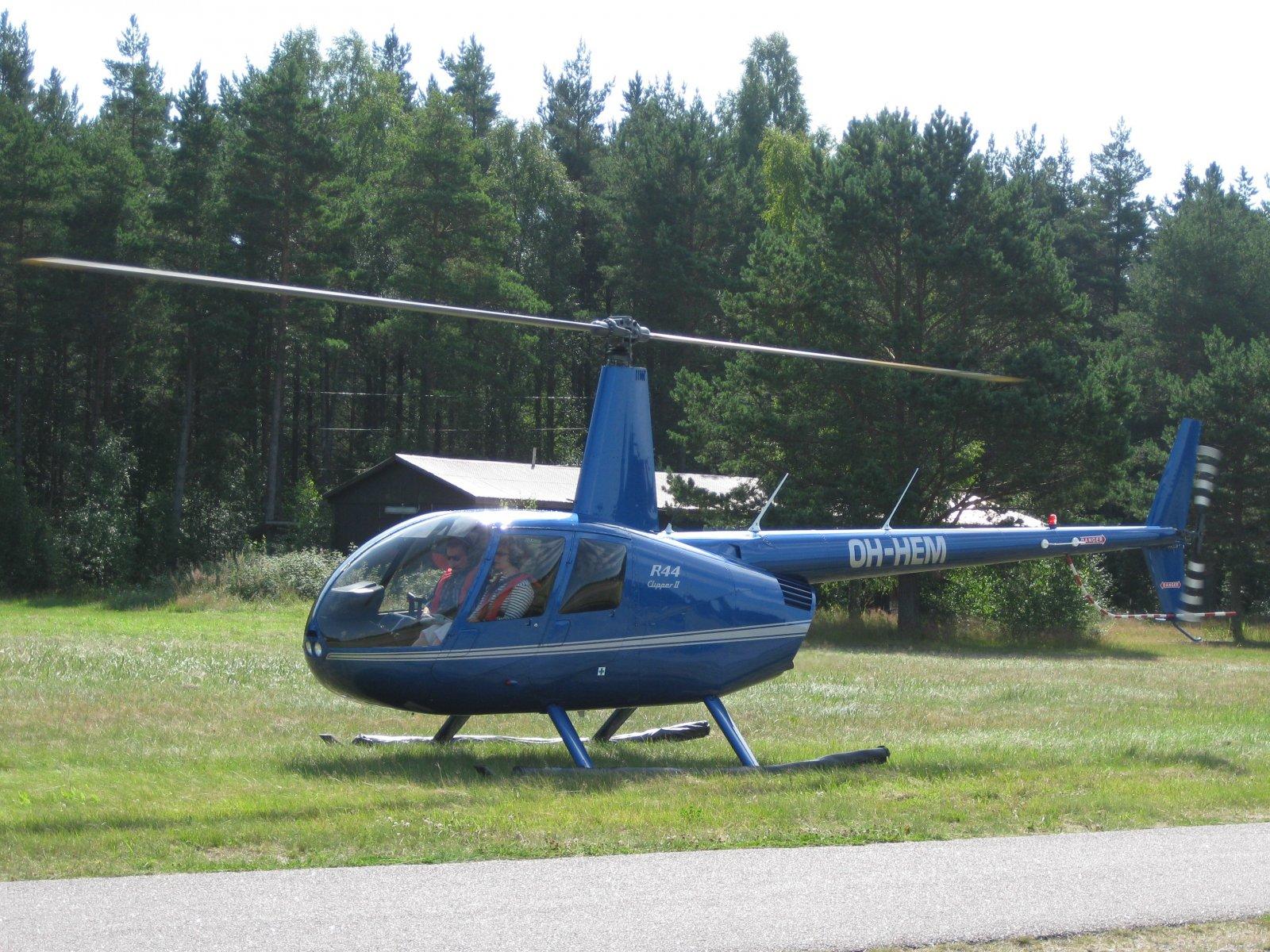 Robinson R44 Clipper II OH-HEM EFHN 2009-08-07