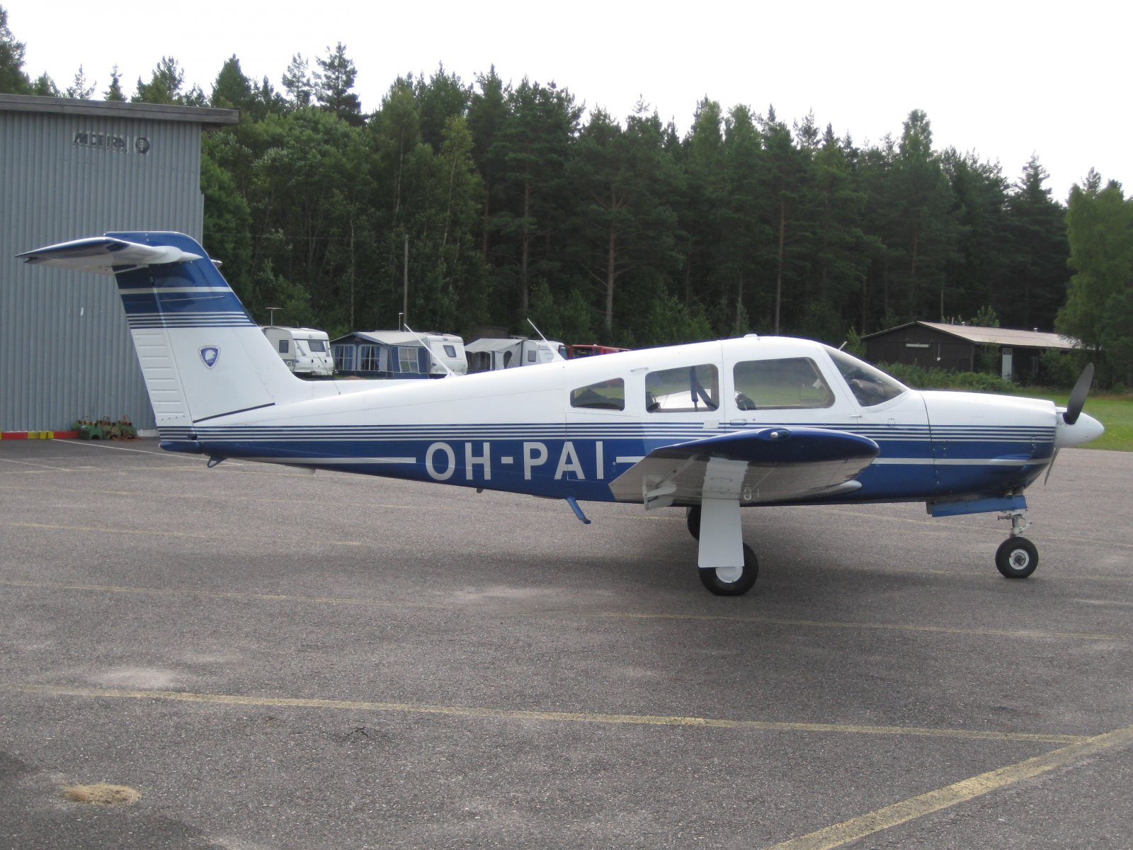 Piper PA-28RT-201 Arrow IV OH-PAI EFHN 2009-08-14