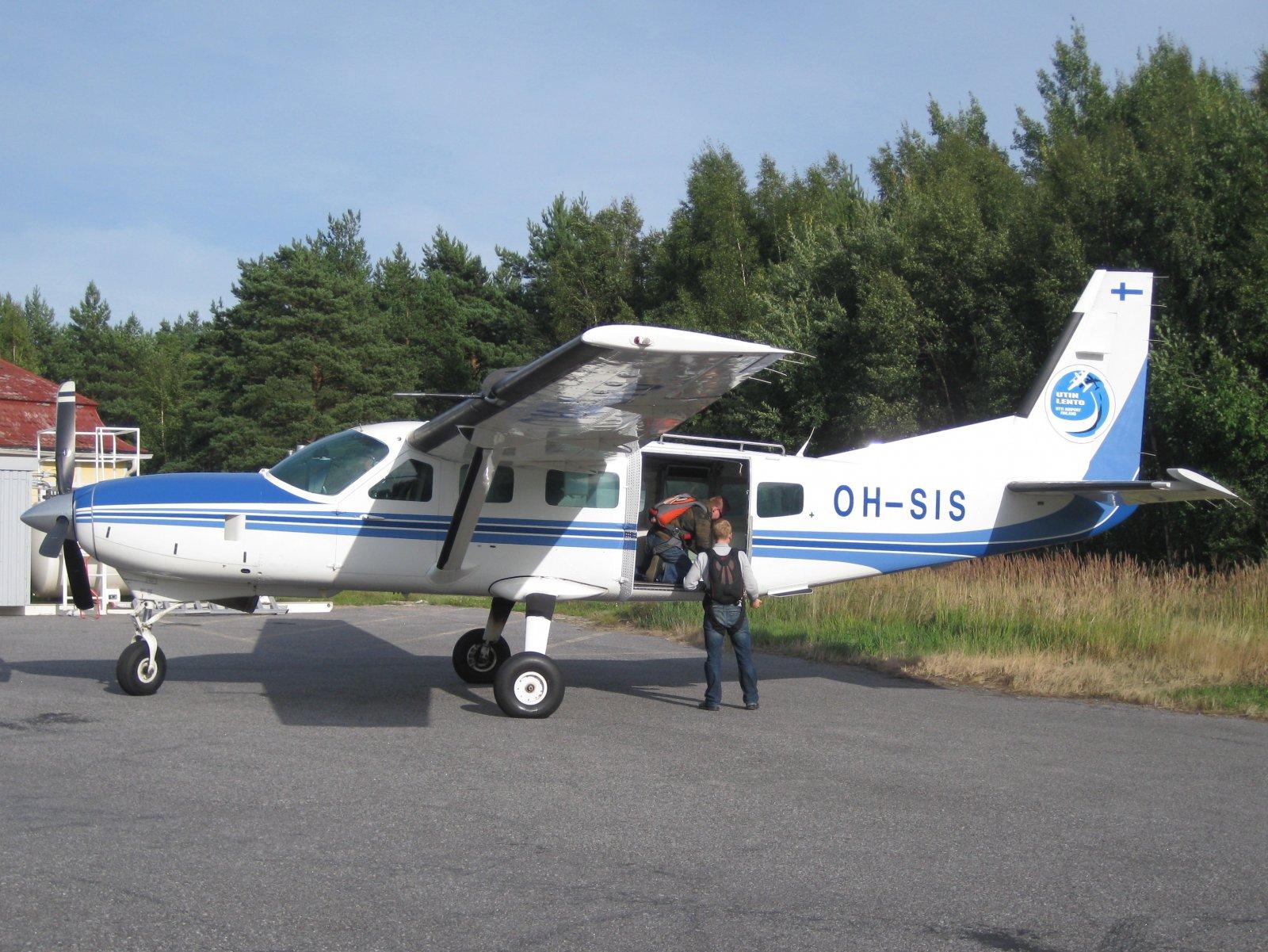 Cessna 208 Caravan I  OH-SIS EFHN 2009-08-23