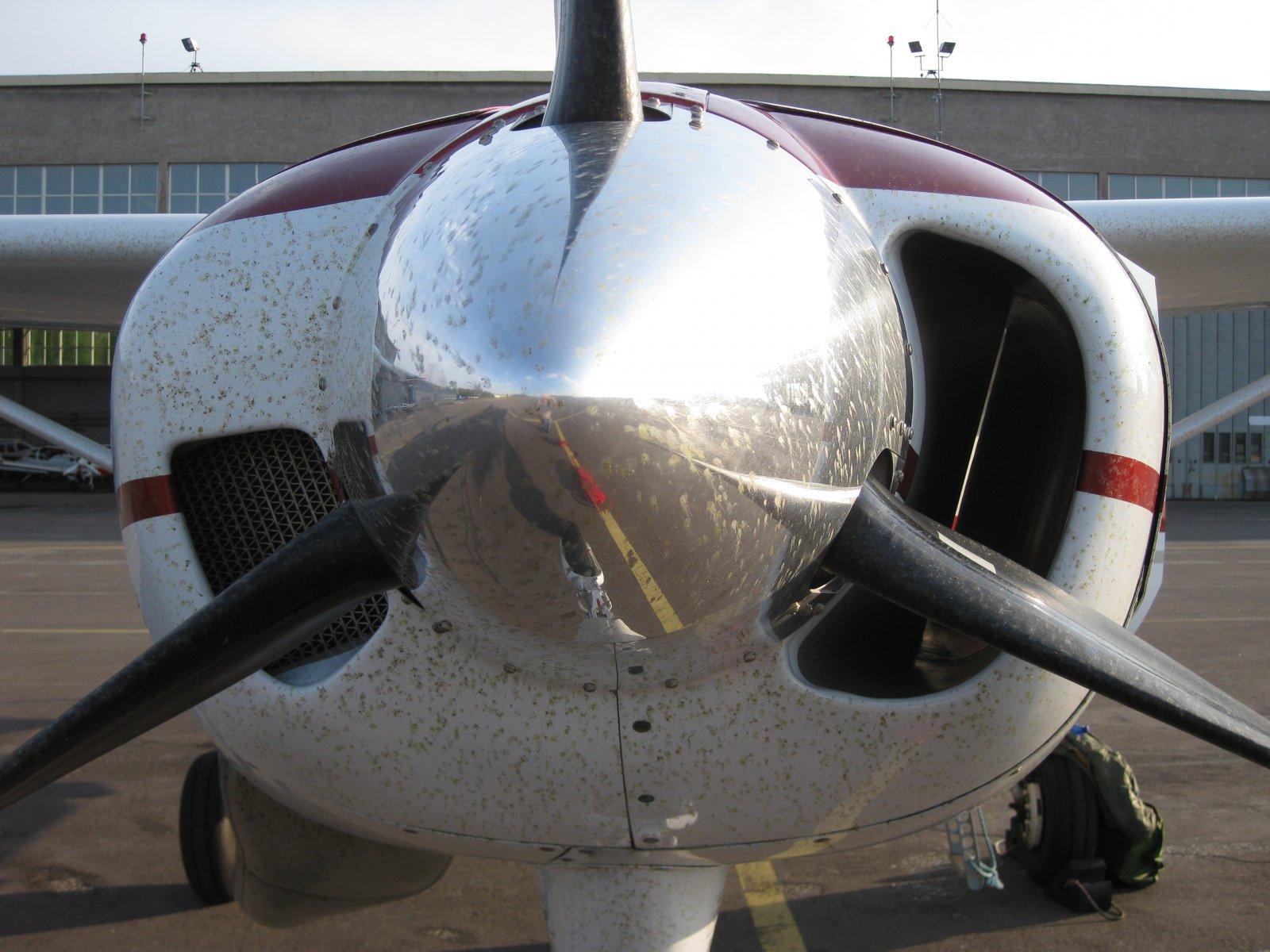 Cessna C208B Grand Caravan OH-DZF EFHF 2010-05-16