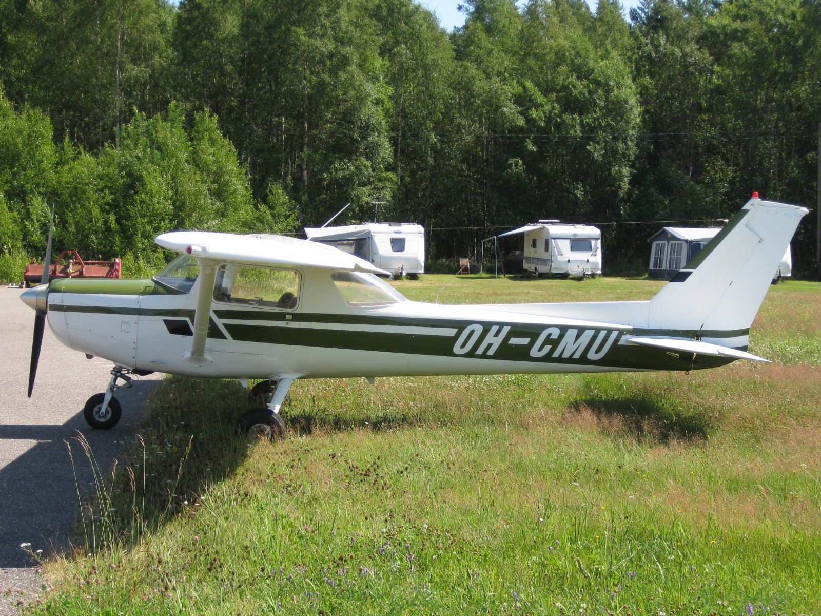 Cessna C152 II OH-CMU EFHN 2010-07-17