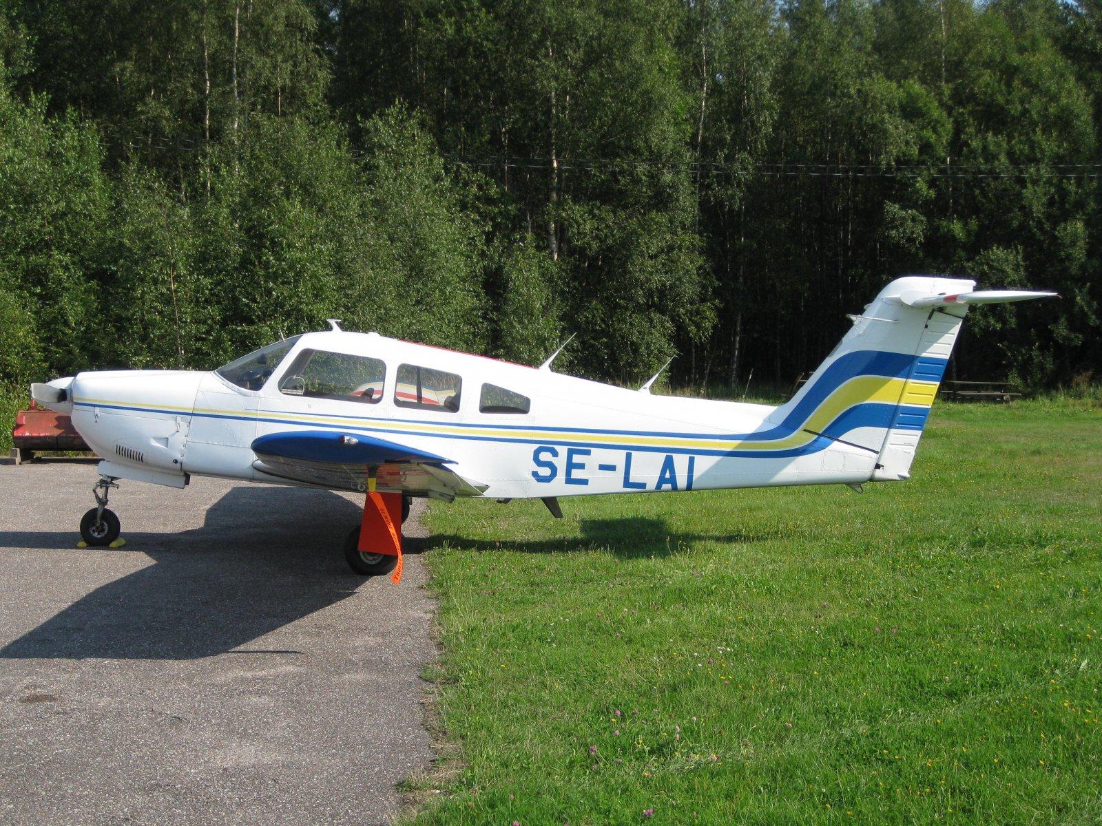Piper PA-28RT-201 Arrow IV SE-LAI EFHN 2010-08-12
