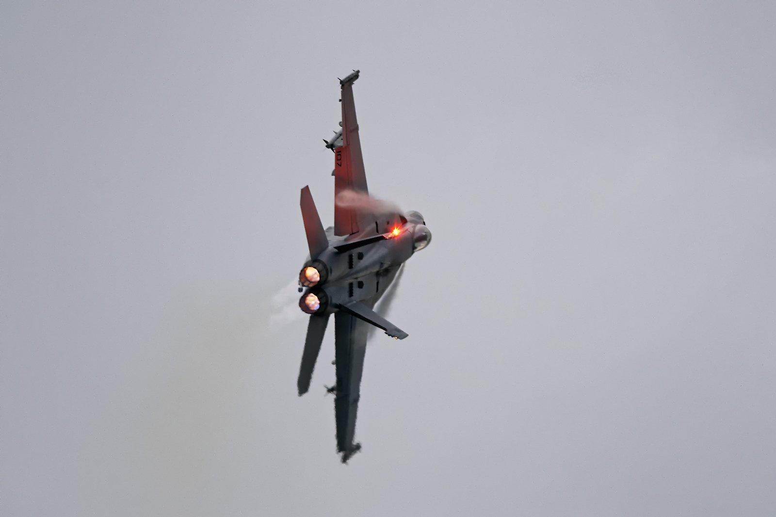 Super Hornet väläyttää