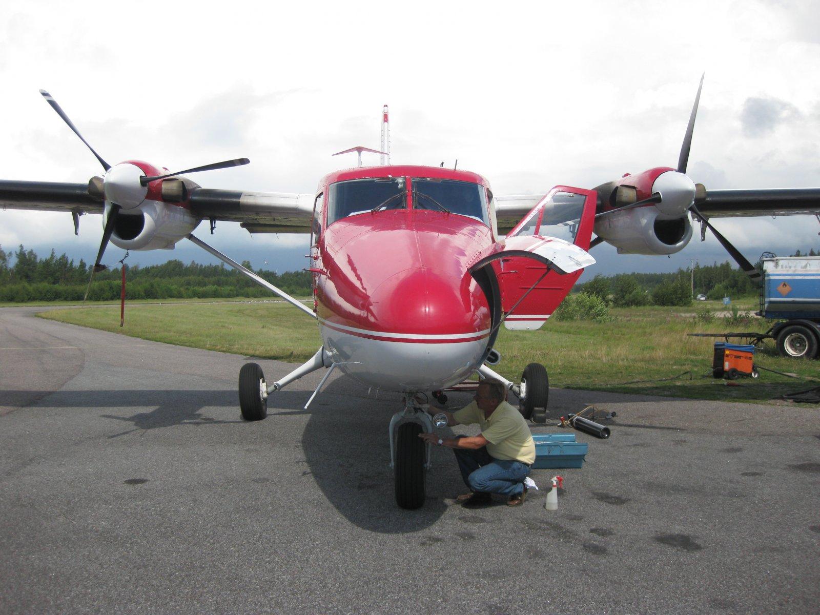 DHC-6-300 OH-SLK Twin Otter EFHN 2008-07-21