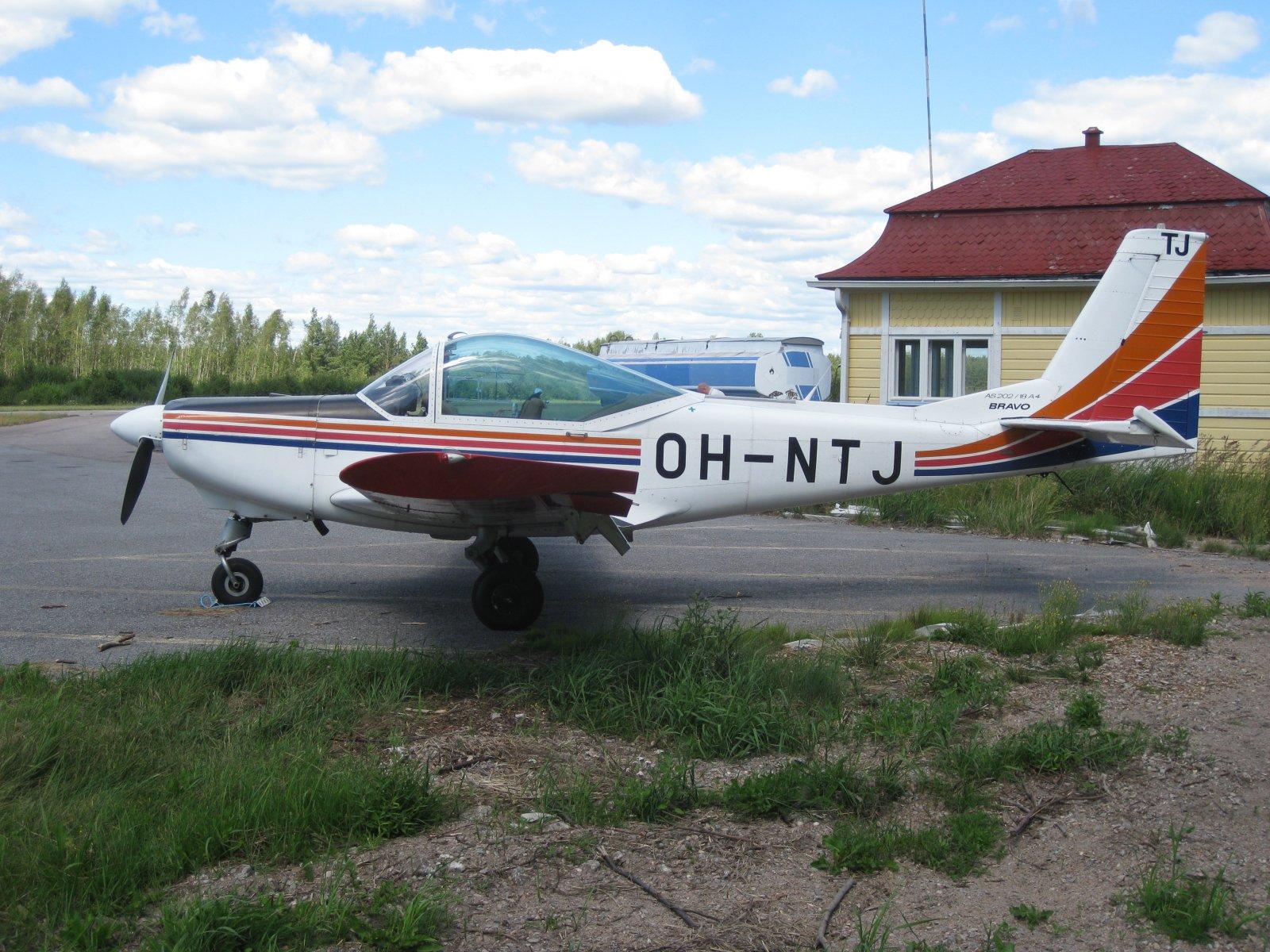 FFA AS202/18A-4 Bravo OH-NTJ EFHN 2008-07-24