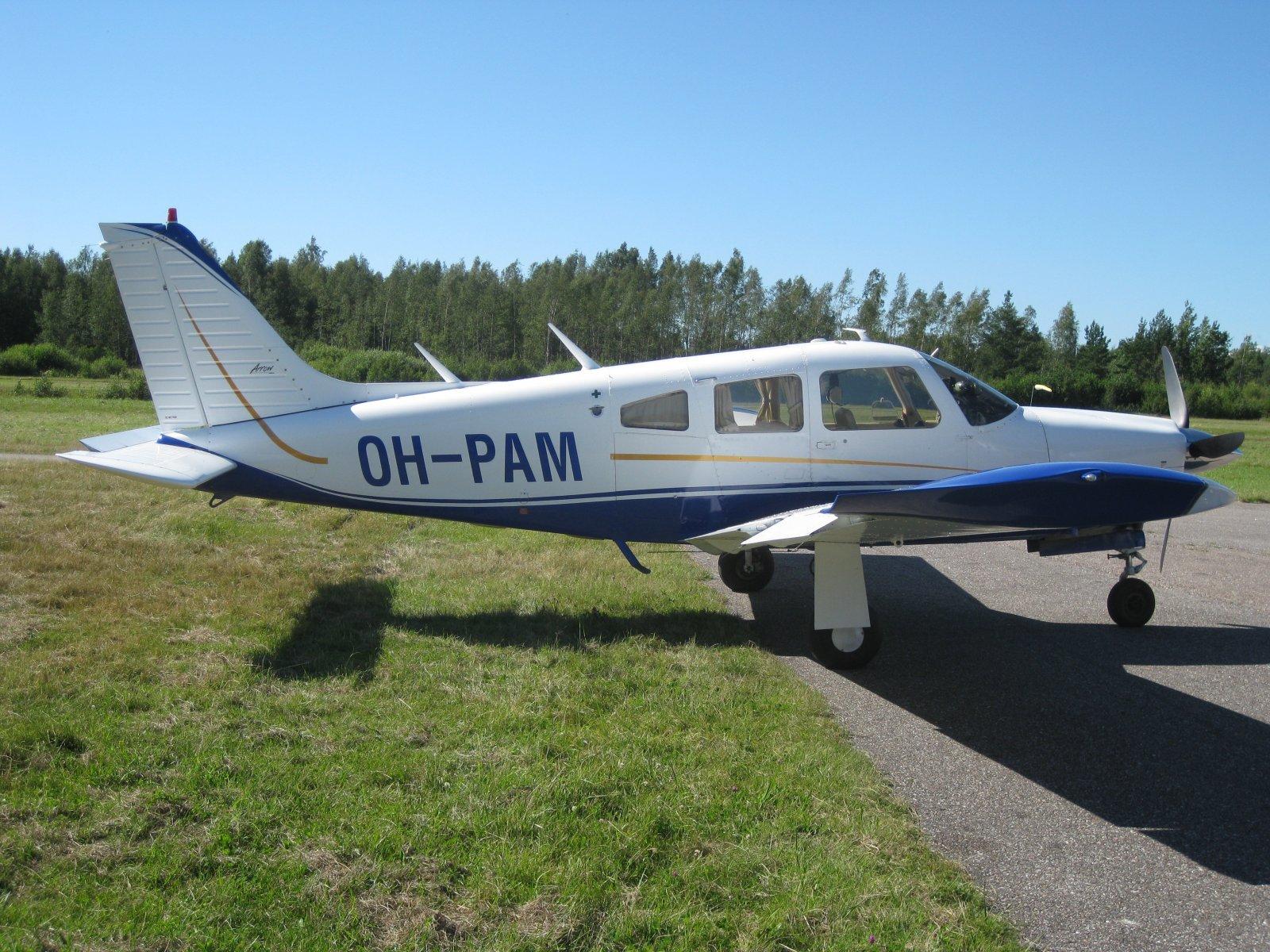 Piper PA-28R-200 Arrow II OH-PAM EFHN 2008-07-24