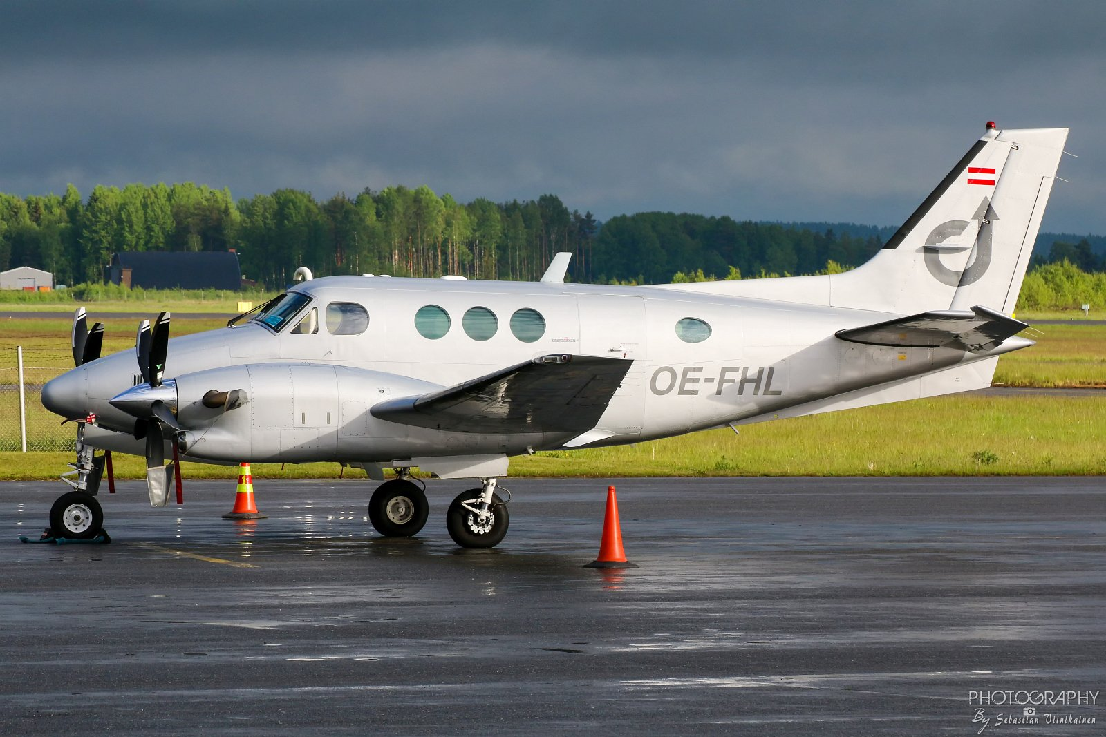 OE-FHL Airlink Beechcraft C90A King Air
