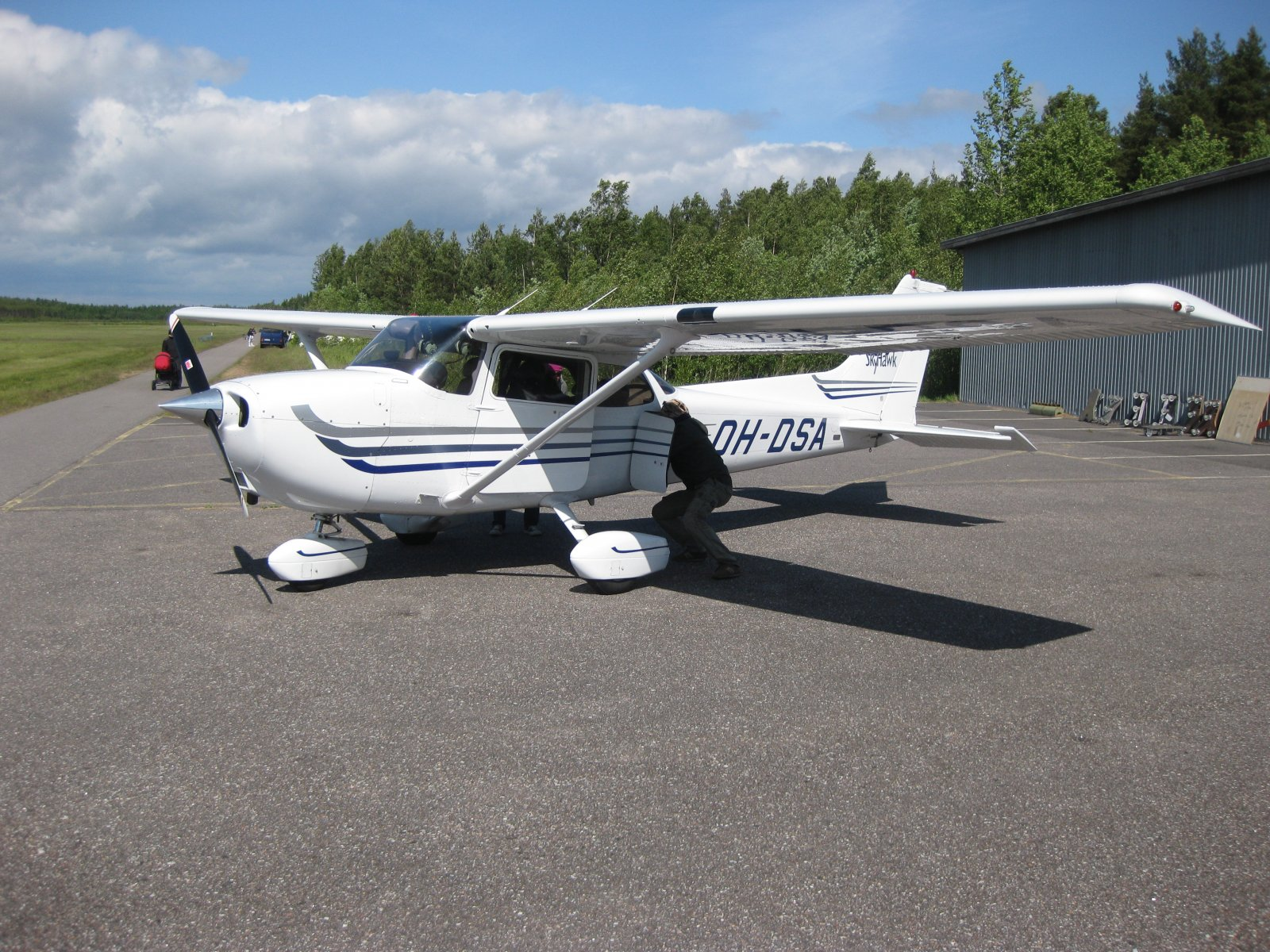 Cessna C172 Skyhawk SP OH-DSA EFHN 2009-06-20