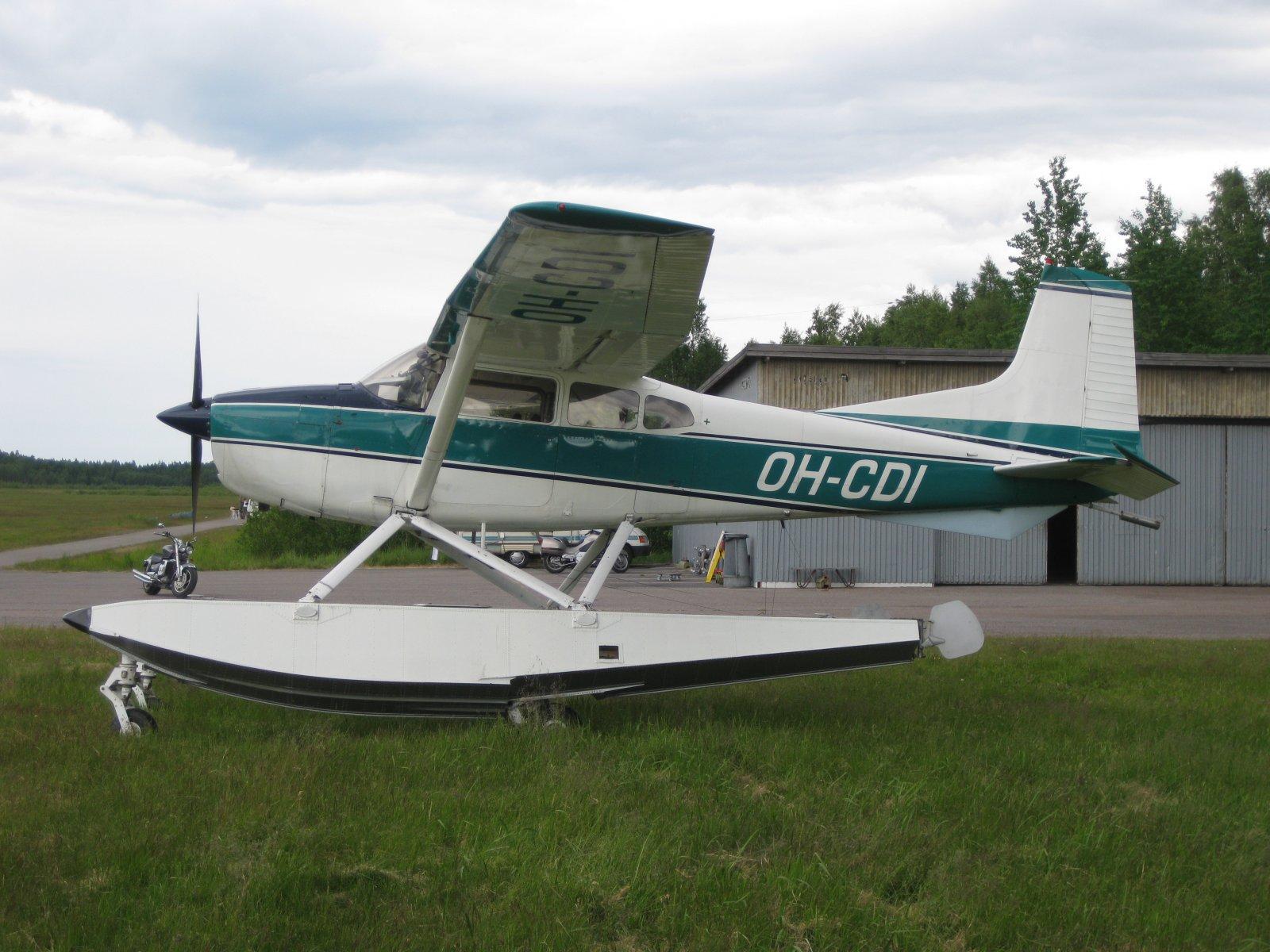 Cessna A185E Skywagon OH-CDI EFHN 2009-06-27