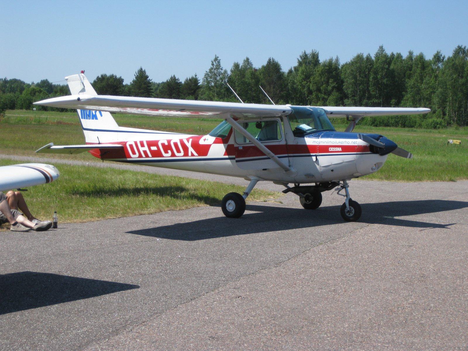 Cessna A152 Aerobat OH-COX EFHN 2009-06-28