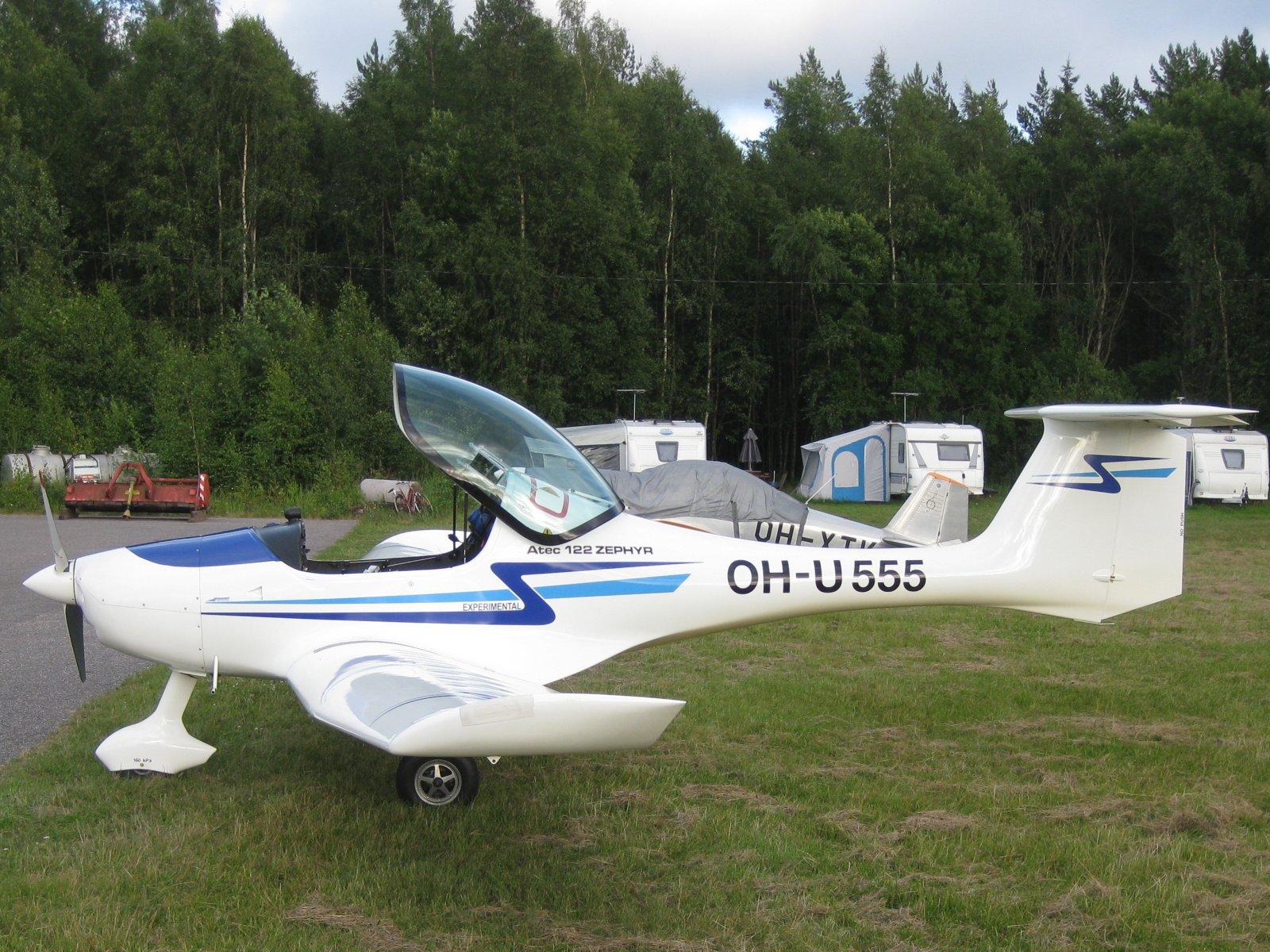 ATEC 122 Zephyr OH-U555 EFHN 2009-07-27