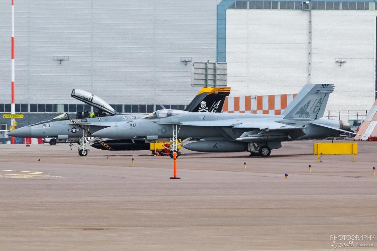 168907 & 168493 United States Navy F-18F&E Super Hornet, 09.06.2017