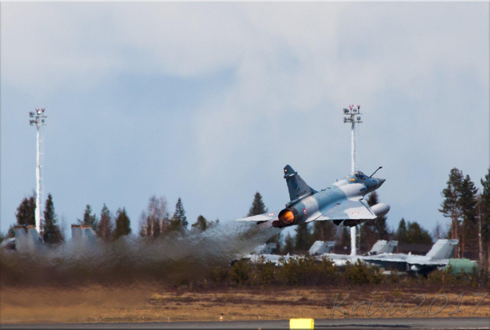 Mirage 2000 ja tutkielma lämpöväreilystä pt.1