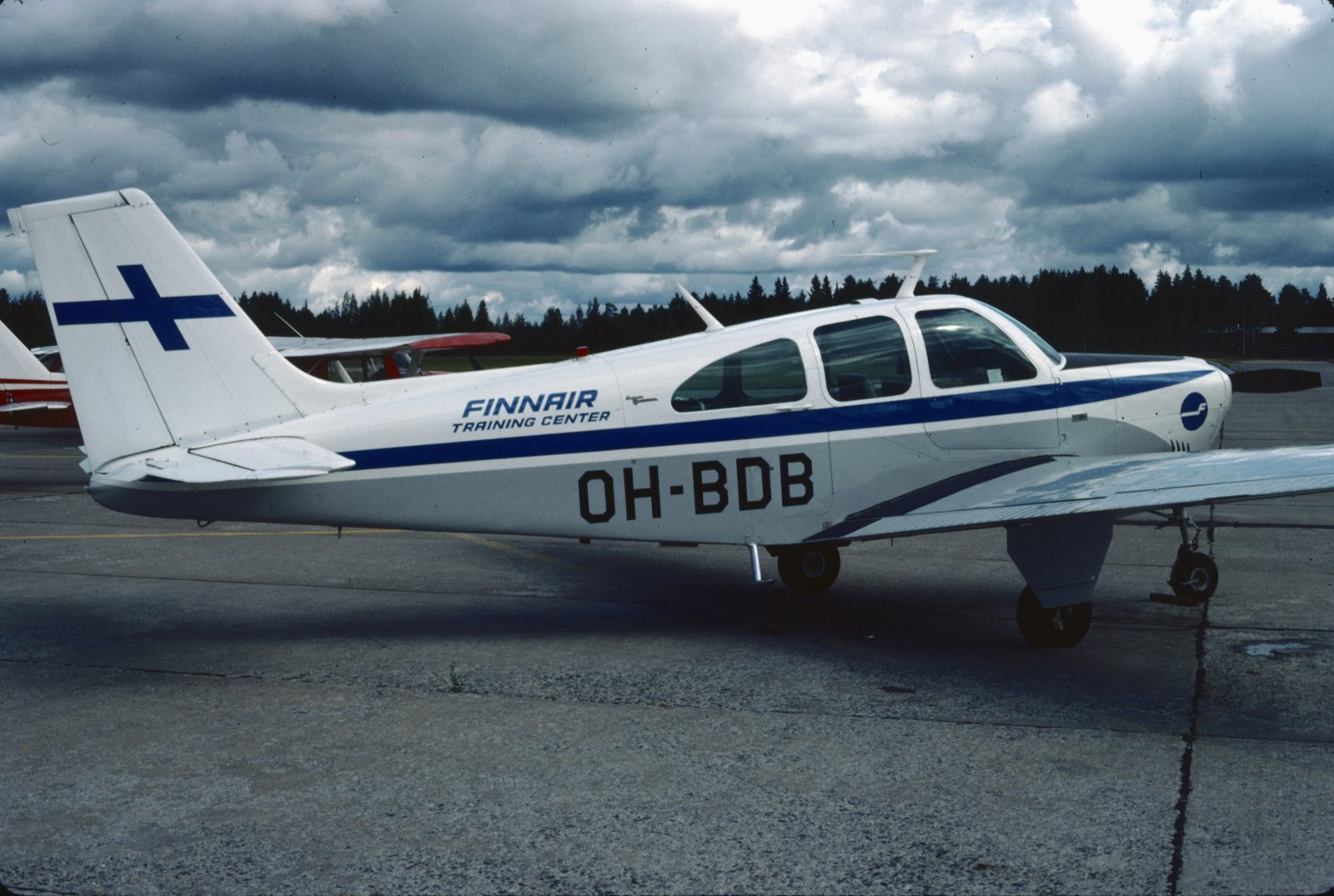 Beechcraft Debonair BE-33 OH-BDB EFKU 1983