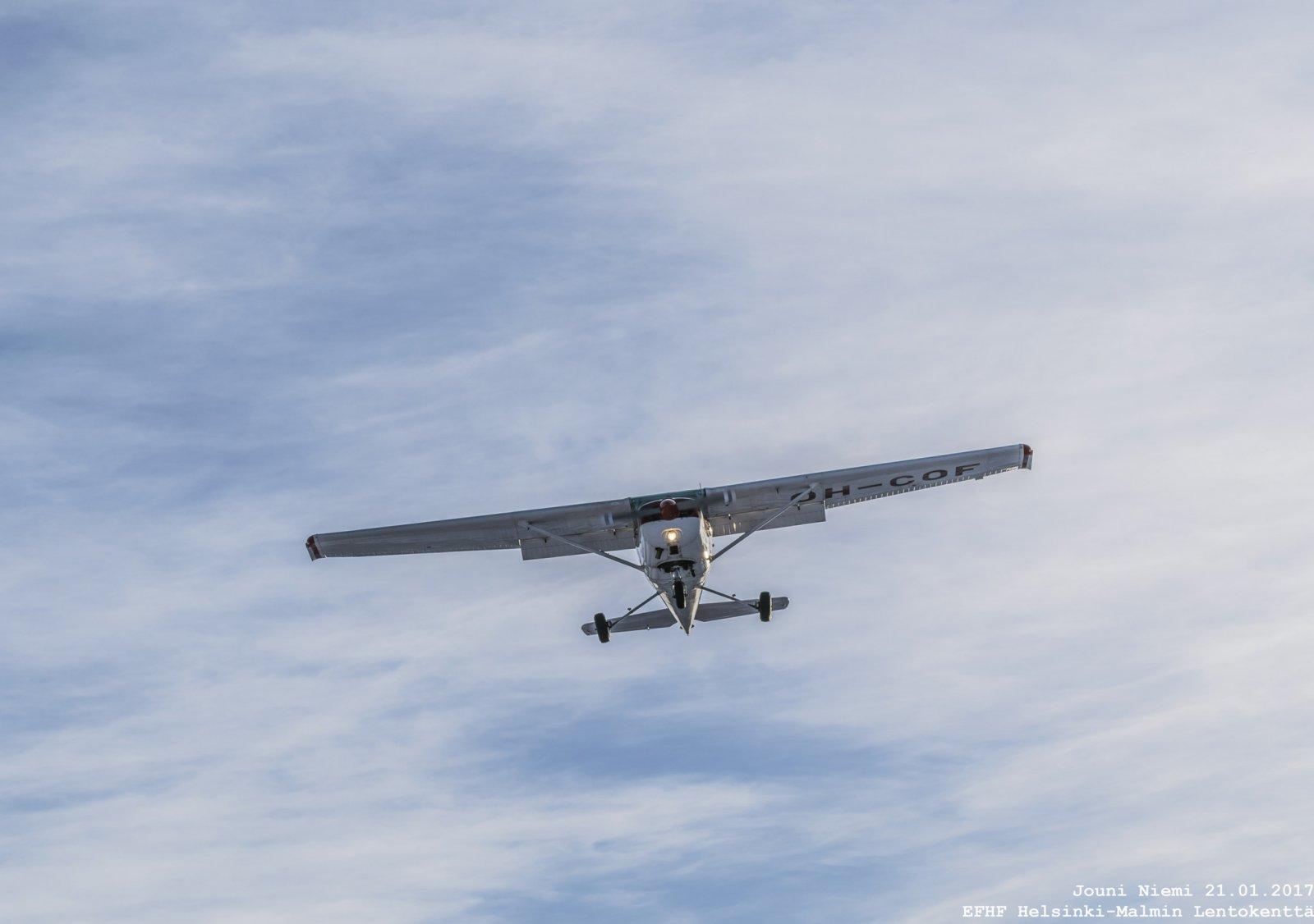 Cessna 152 RWY 36 Finaalissa