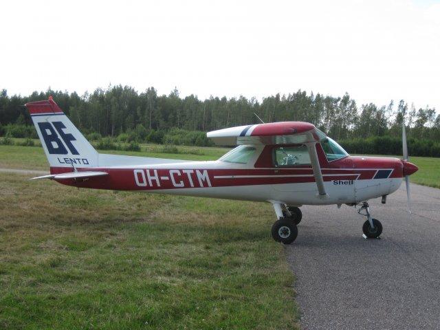Cessna C152 OH-CTM EFHN 2008-07-26