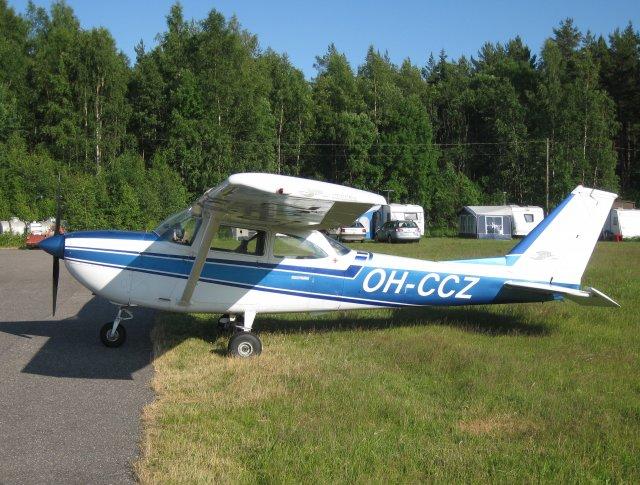 Reims-Cessna FR172E Reims Rocket OH-CCZ EFHN 2009-07-03