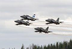 Sotilasilmailusta ammatti Ilmasotakoulu Tikkakoski