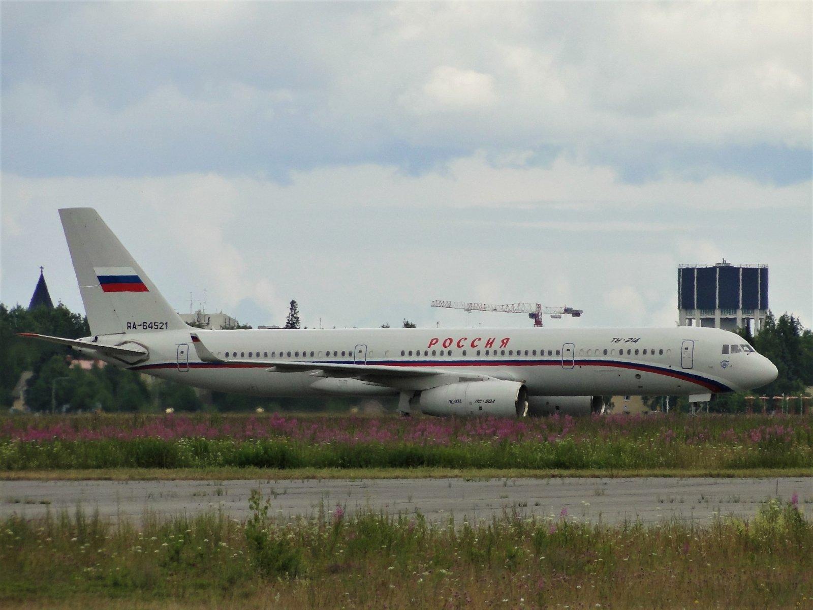 RA-64521 Deltasta tornin eteen