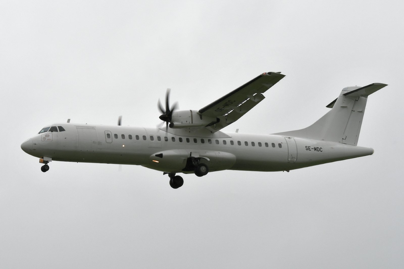 VPS:n ottelukumppani Brøndby IF:n kyytivälineenä Danish Air Transportin ATR SE-MDC