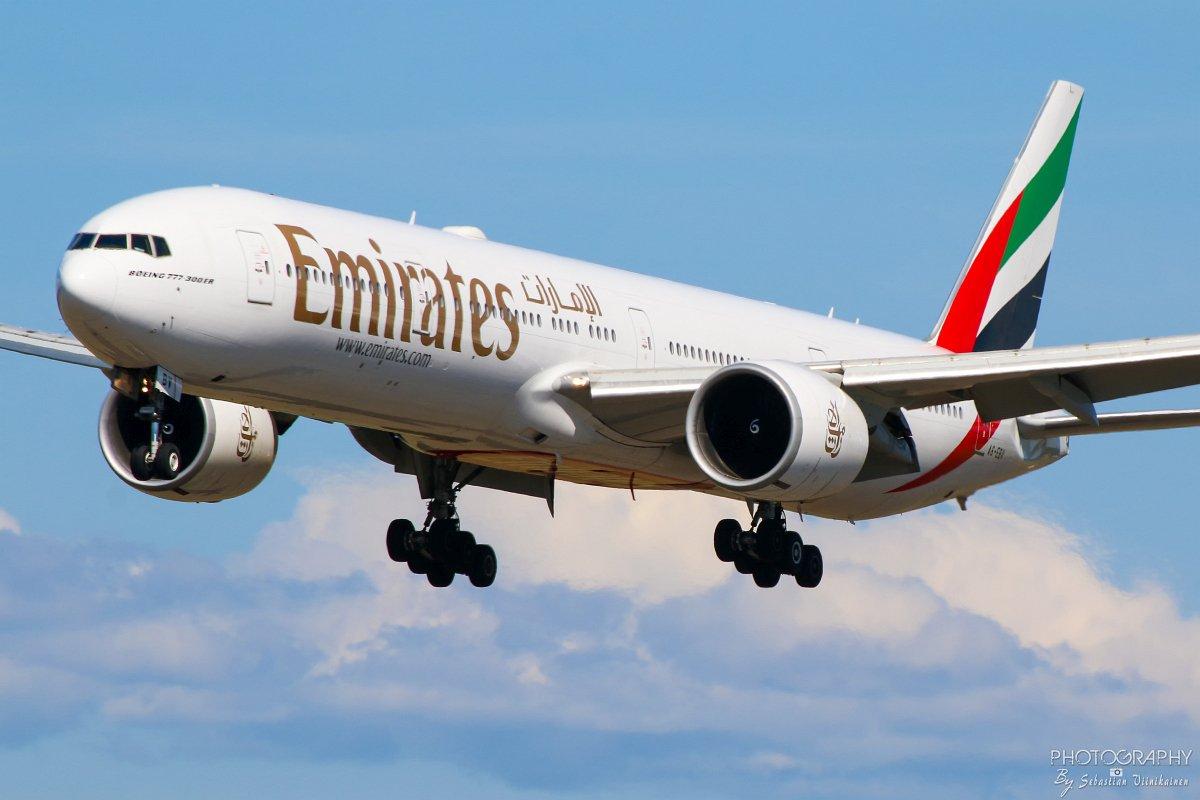 A6-EBV Emirates B777-300ER