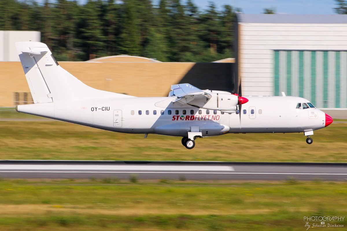 OY-CIU Danish Air Transport ATR 42-300