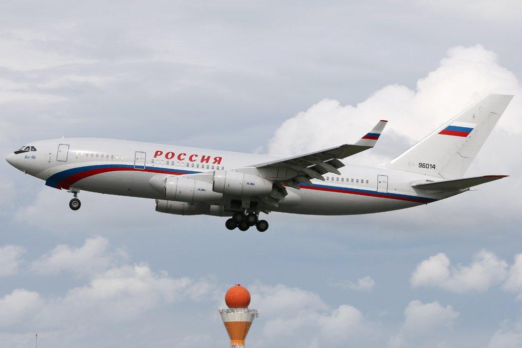 Ilyushin IL-96-300 RA-96014