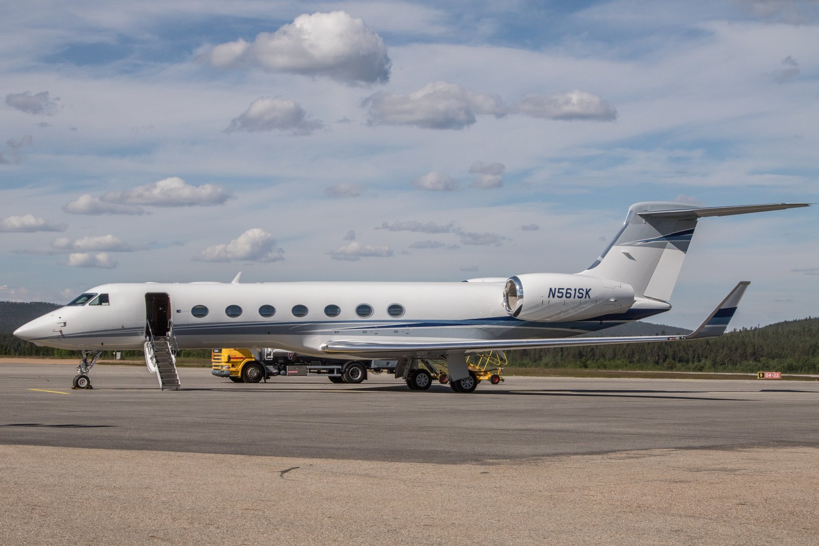 N561SK. Gulfstream Aerospace GV-SP. 10.7 Teterborosta suoraan Ivaloon.