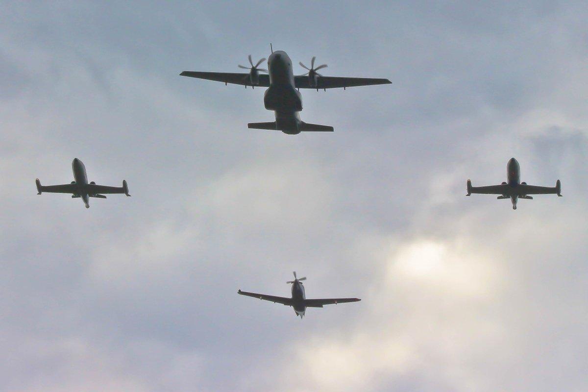 Satakunnan lennoston valatilaisuuden ylilento 10.08 Pirkkalassa