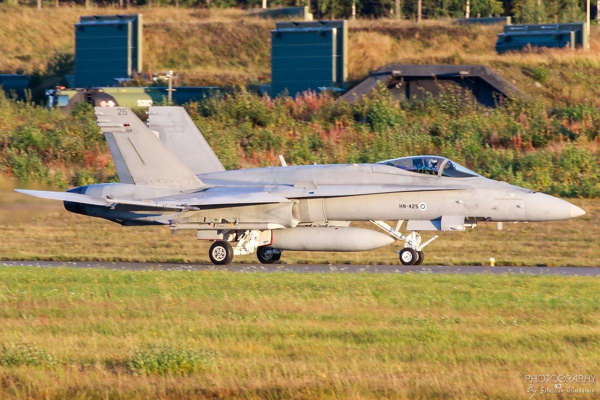 HN-425 F-18C Hornet 12.9.2017