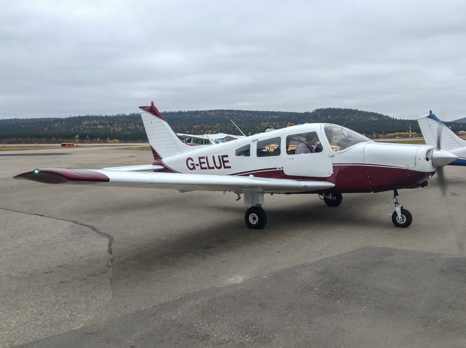 G-ELUE. Piper PA-28-161. 26.9.Mehamnista Ivaloon.