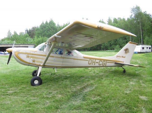Reims Cessna F172H Skyhawk OH-CGI EFHN 2014-06-07