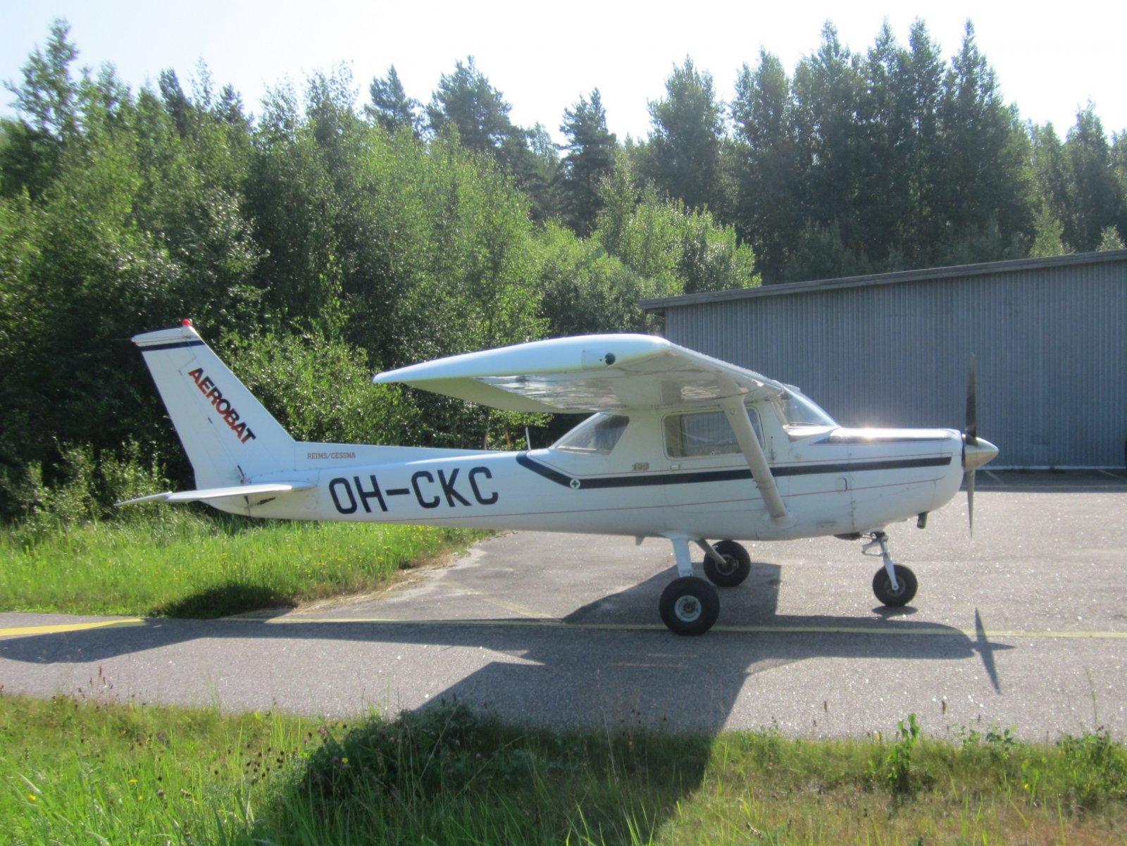 Reims-Cessna FA152 Aerobat OH-CKC EFHN 2014-07-30
