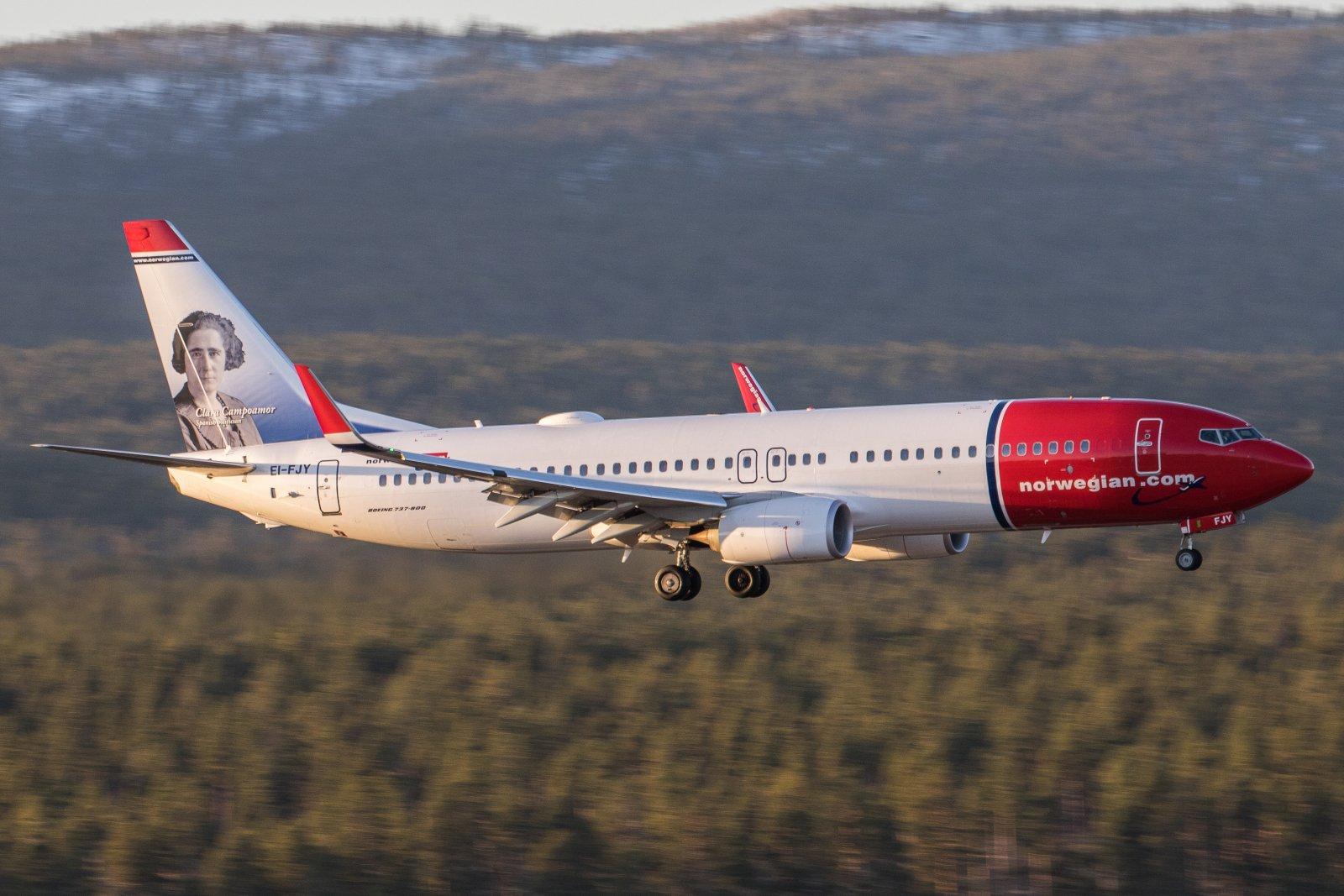 EI-FJY. Norwegian Boeing 737-8JP(WL) 29.10