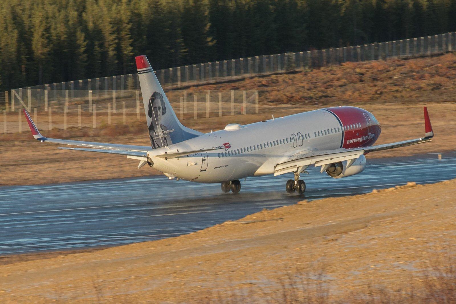 EI-FJY. Norwegian aloitti tänään talvikauden reittilennot Ivaloon.