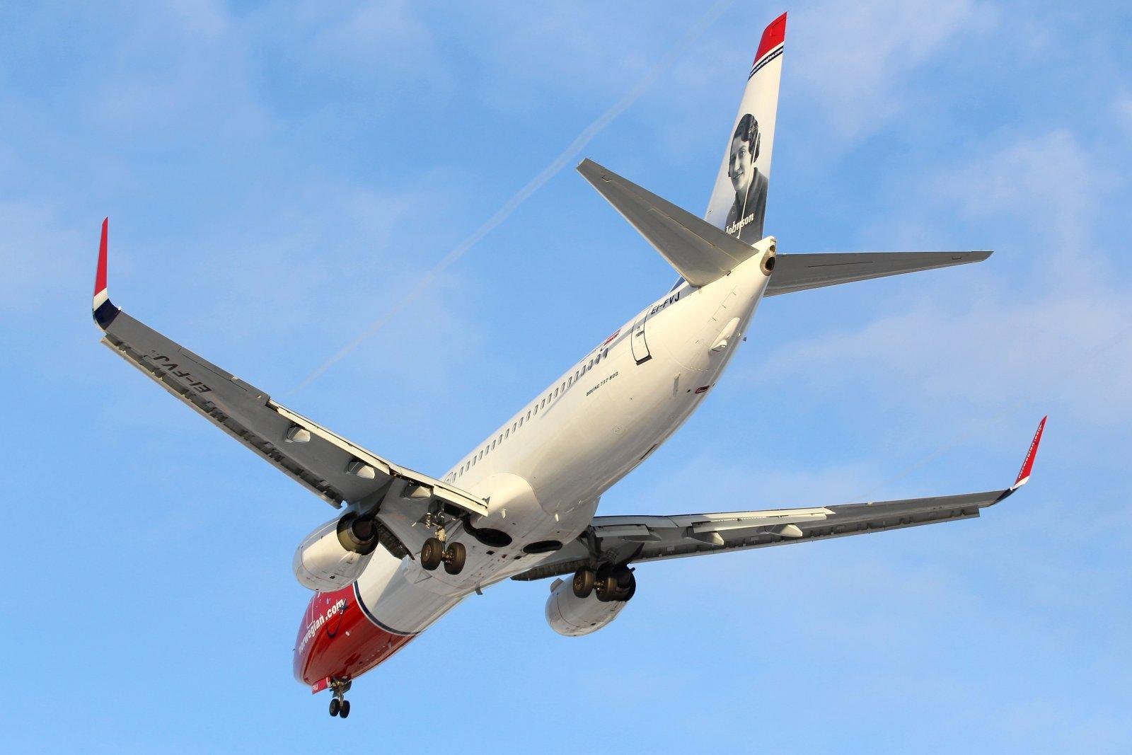 Norwegian EI-FVJ Boeing 737-8JP