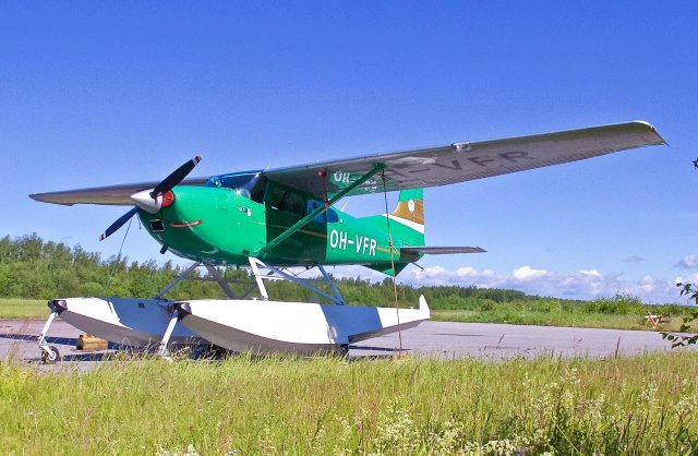 Cessna C180 Skywagon OH-VFR EFHN 2014-07-04