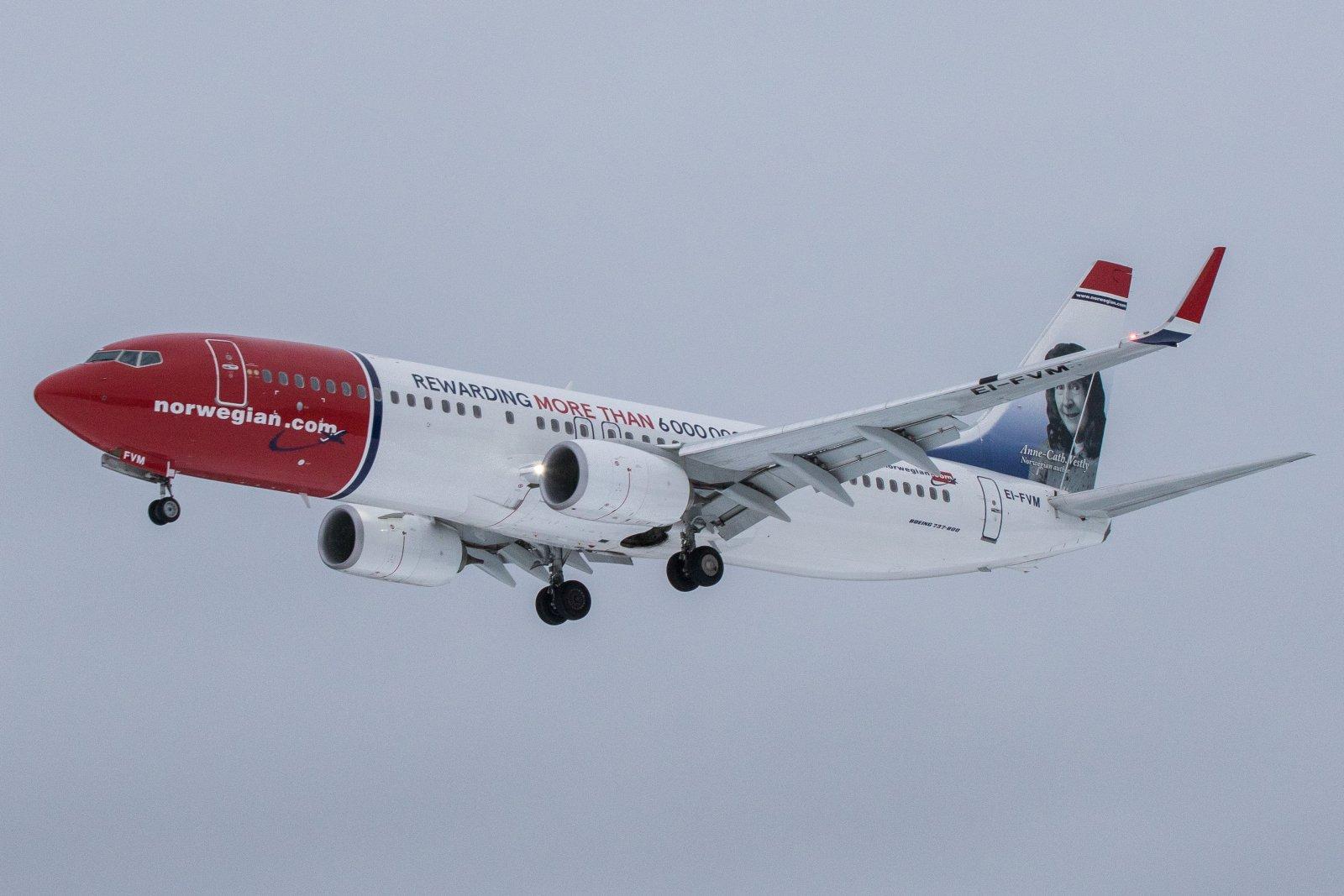 EI-FVM Boeing 737-8JP