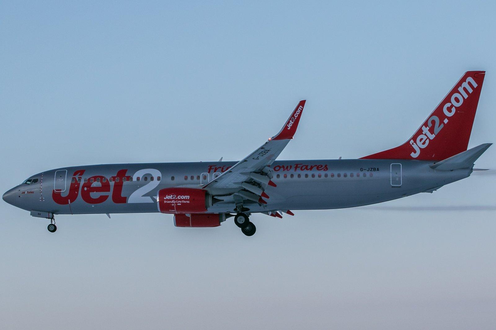 G-JZBA, Boeing 737-8MG