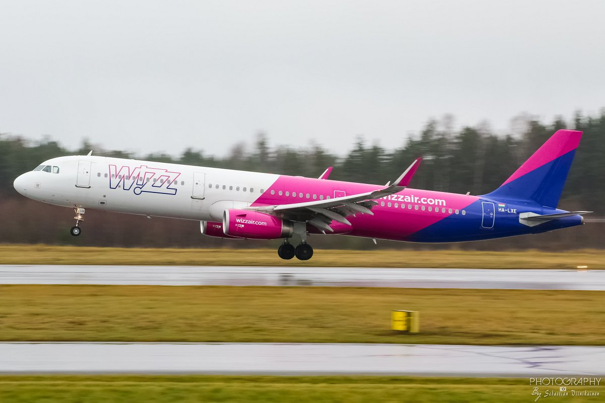 HA-LXE Wizz Air Airbus A321-200, 12.11.2017